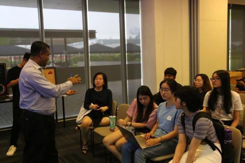 7. Sinh viên trong hội thảo DTG của trường đại học
