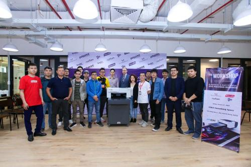 10. Group photo with brand new Polyprint Texjet echo2 DTG printer